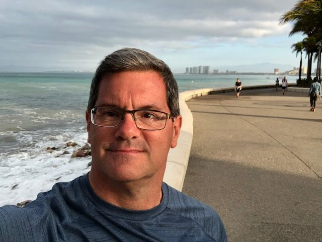 The final selfie - on the Malecon with the bay behind me